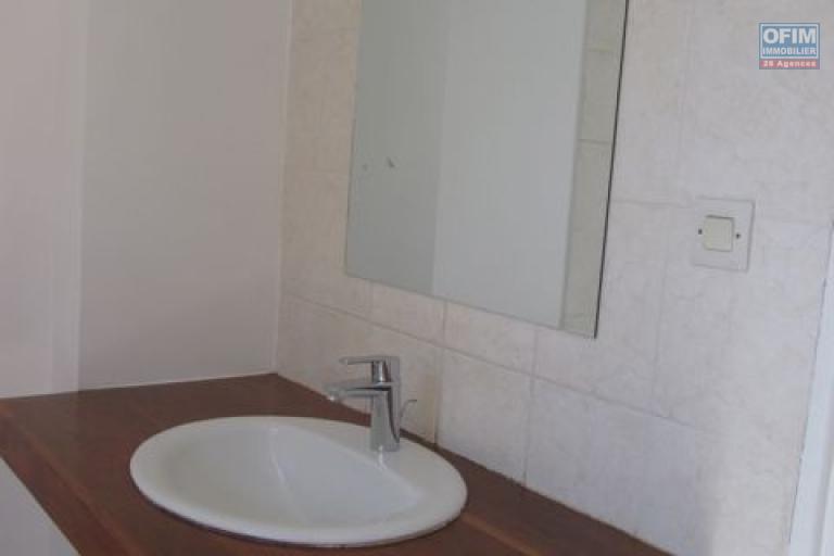 Un appartement T3 dans une résidence sécurisée, à 10 min du centre ville sis à Fort Voyron Antananarivo