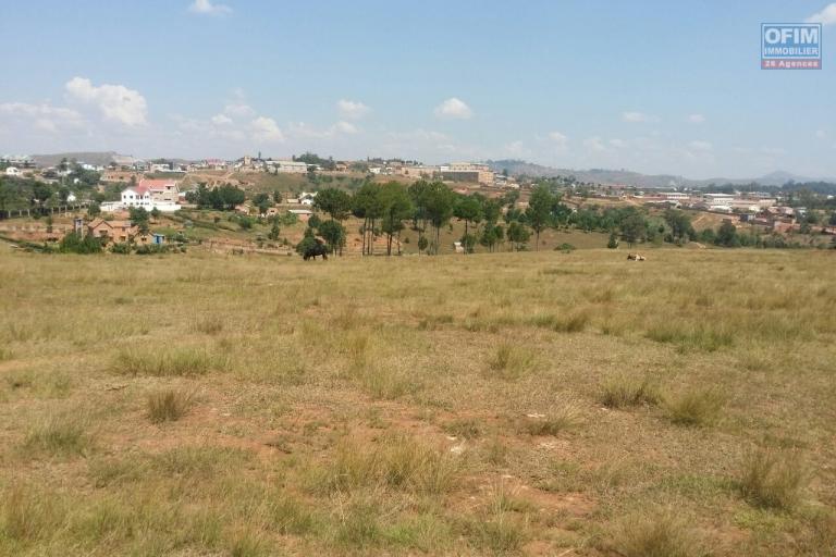 A vendre grand terrain de 14 000 m2 Ambohidratrimo Ankazobe