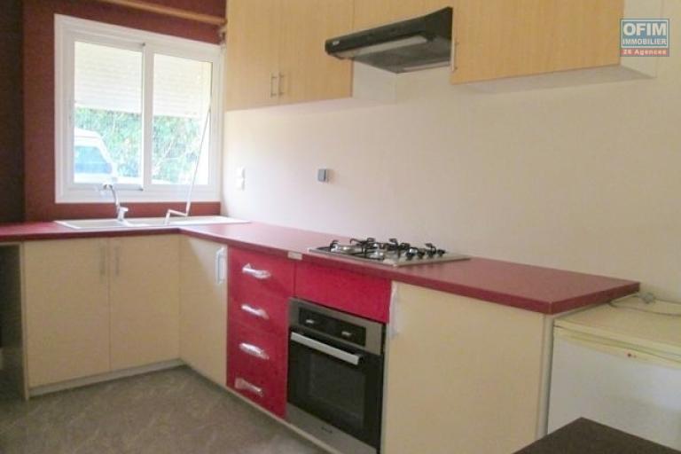 A louer, bel appartement T2 meublé, neuf et moderne à Analamahitsy- Antananarivo