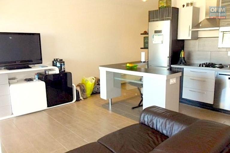 vente appartement antananarivo tananarive a vendre appartement t3 neuve avec piscine. Black Bedroom Furniture Sets. Home Design Ideas