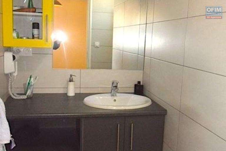 A vendre appartement neuf ultra comptemporain avec un spa , salle de sport / fitness ,  piscine chauffée et couverte ... - salle d'eau