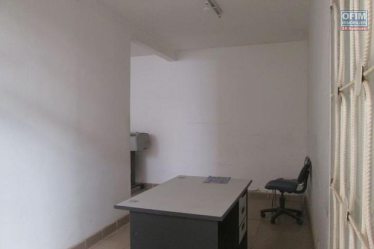 A louer,un  local de 60 m2 à usage professionnel à Nanisana- Antananarivo