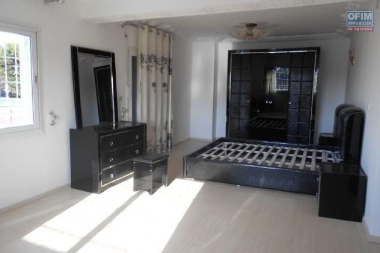 A louer une villa F5 dans un quartier de bon voisinage à Androhibe Antananarivo