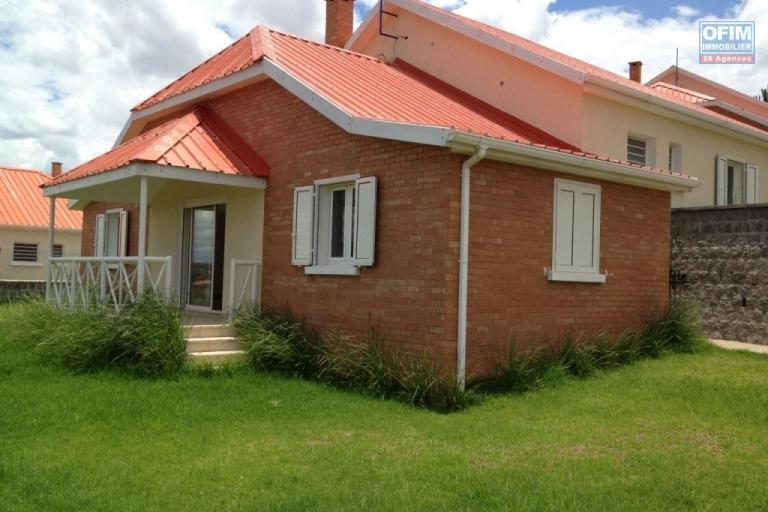 A louer belle villa F4 dans une résidence