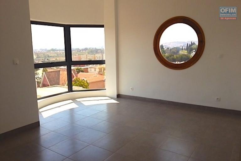A vendre appartement T3 neuf à Ivandry - chambre