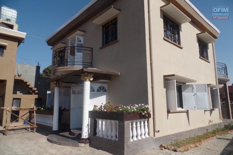 A louer une belle villa neuve F5 située à Ambatolampy