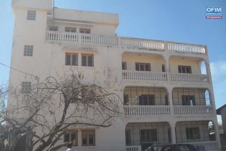 Immeuble a vendre a Mandrosoa Ivato