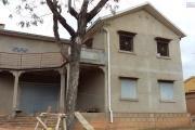 à vendre villa F5 à finir sur un terrain de 1500 m2 à alakamisy Ambohidratrimo