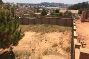 A vendre terrain de 1000 m2 clôturé près du Lycée Francais Ambatobé et Leader Price