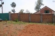 A vendre, un terrain de 1Ha clôturé à Betsizaraina Ambohimangakely