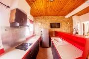 A vendre trois appartements dans un immeuble de deux étage à Ambatoroka