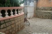 Villa à louer à Ambatobe au bord de route et quartier calme - parking pour une voiture