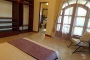 OFIM vous offre une villa basse divisée en deux appartements T4 indépendants et meublés dans une résidence sécurisée 24/24 - Suite parentale placardée