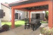 2 Villa de charme F4 semi meublée dans une belle propriété avec piscine à débordement  à Ankadikely ilafy