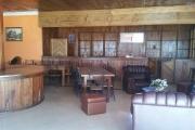 A louer une salle réception avec fond de commerce dans le centre ville bord de route principale sis à Alarobia