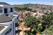 A vendre bel appartement T4 duplex neuf avec une très belle vue à Tsiadana proche du centre ville .