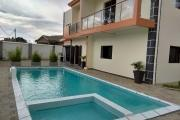 location Villa F7 de standing neuve avec piscine à 7mn du lycée Français