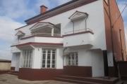 Location grande Maison F9 à usage mixte à Amboditsiry