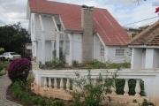 Villa F5 à 100m de la route nationale à Andoharanofotsy