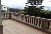 Maison R+2 avec grand parking dans le quartier d' Ambohitsoa- Antananarivo