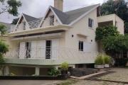 OFIM met en location un appartement T4 à Mahatony Ivandry au R+2 d'une villa avec piscine et coin jardin