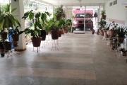 OFIM loue un appartement T2 au surface totale de 160m2 avec baie vitrée dans le séjour donnant une vue agréable à Analamahitsy Ambatobe