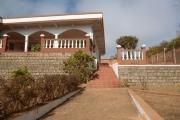 A vendre à Antsahatsiresy  belle villa spacieuse avec un grand jardin