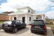 A louer une coquette villa F4 neuve, possédant une belle vue, située à Ambohidratrimo
