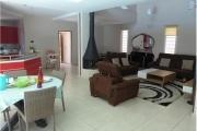 A vendre villa F5 très moderne avec piscine à Betongolo Andrianarivo - living