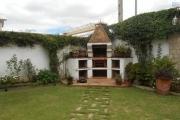A louer une villa F5 avec piscine dans un bon quartier à Analamahitsy Antananarivo