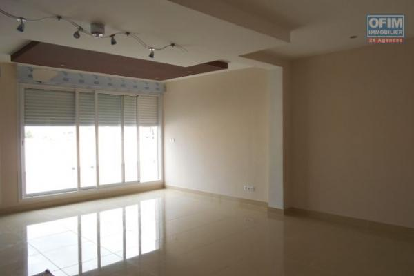 Un appartement T4 de haut standing à Antsahavola
