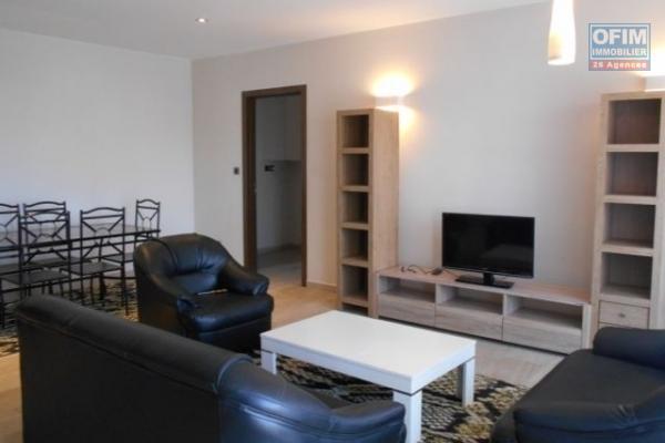 Un grand appartement T4 meublé et sécurisé à Ampandrianoby