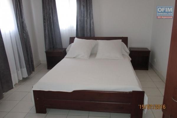 A louer des appartements T3 à T4 bord de route situés à Ankazomanga