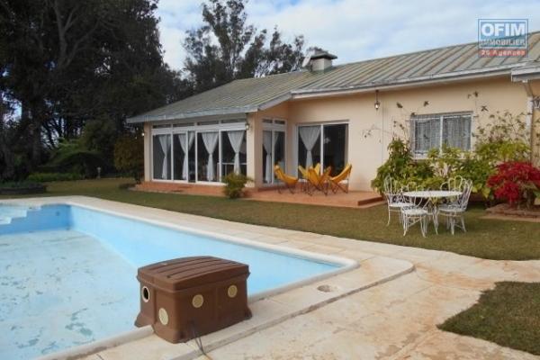 A louer un villa F5 avec piscine dans une grande propriété à Ambohitrarahaba Antananarivo