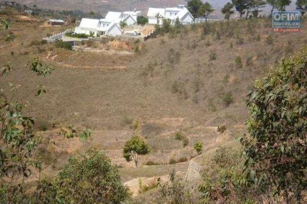Vente terrain de 1844m2 à Ambatobe