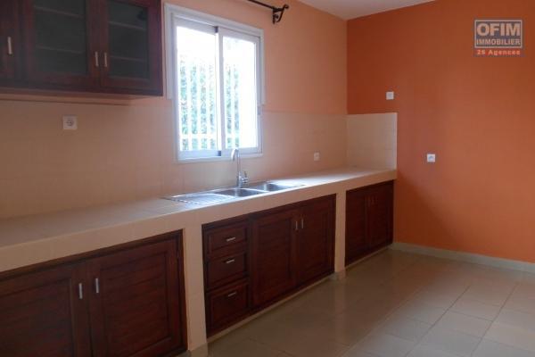 Un grand appartement T5 neuf à 3mn du By pass Ambohijanaka