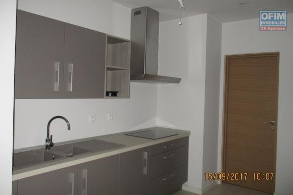 A louer un appartement T7 de haut standing neuf et meublé se trouvant à deux pas de l'école française D à Ivandry