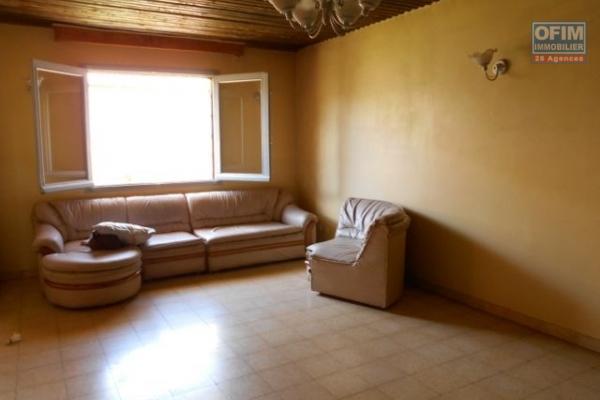 A louer villas F5 neuves très spacieuses à Ambatobe à 5min du lycée français