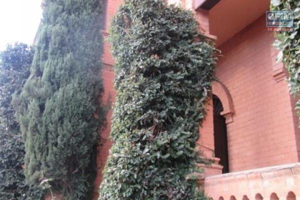 Spacieuse villa F8 de standing à Ivandry