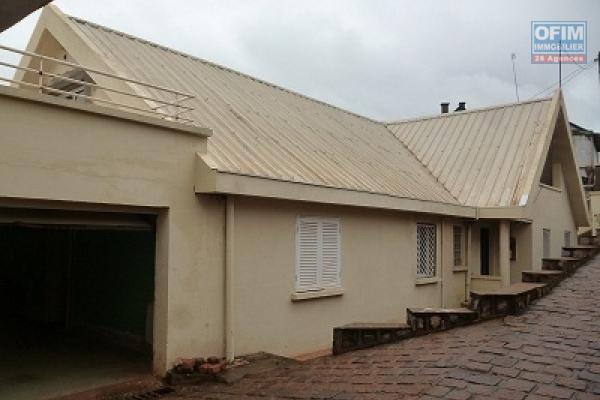 A louer un studio meublé dans un domaine à Nanisana Antananarivo