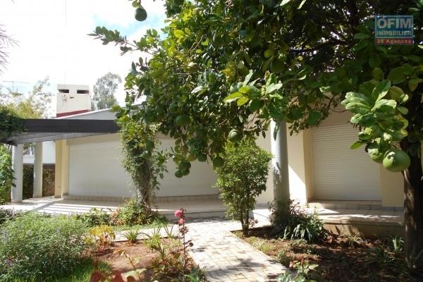 A louer une villa F5 dans le lotissement bonet à Ivandry Antananarivo