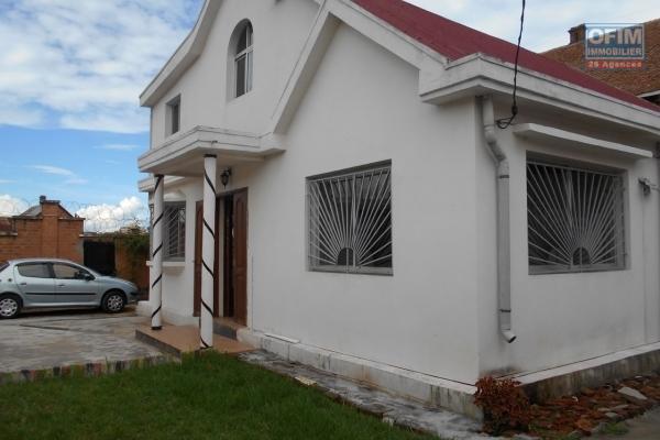 A louer une villa F4 à 5mn du centre ville à Antsahabe Antananarivo