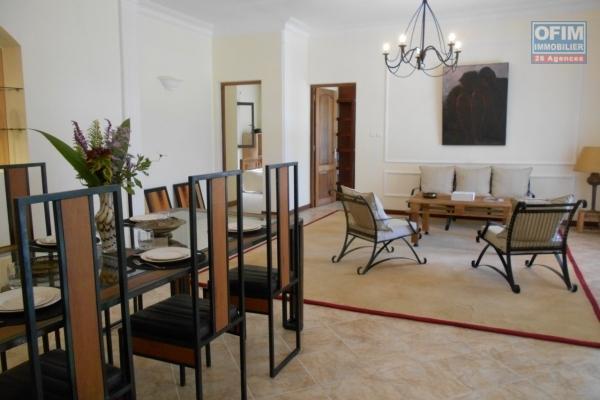 Un grand appartement T2 meublé de tsanding sur la haute ville