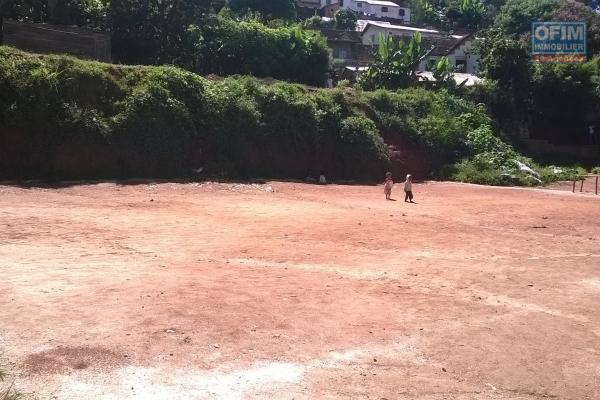 Vente d'un terrain de 7000 m2 à Ambatobé Manazary