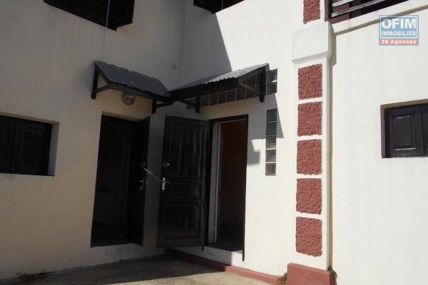 OFIM met en location une petite cocon villa basse F5 à Alarobia Amboniloha au BDR