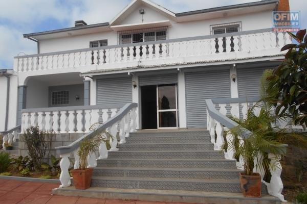 A louer une grande maison de type F5 à Ankadivory Talatamaty Antananarivo