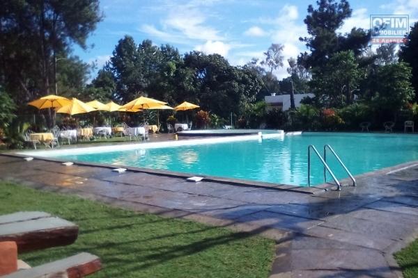 A vendre terrain de 635 m2 clôturé et  viabilisé JIRAMA dans une charmante résidence avec piscine à Manjaka Ifafy- Antananarivo