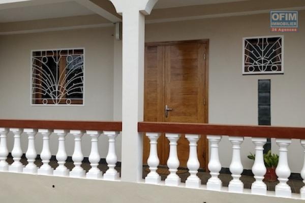 A vendre grande et charmante villa F5 avec piscine à Talatamaty