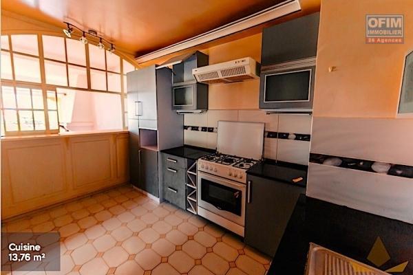 A vendre appartement T3 très spacieux à ivato
