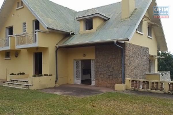 OFIM propose en location une villa F4 semi meublée à Andohanimandroseza